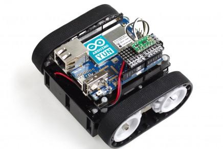 Arduino YúnでWiFiラジコンをつくってみました。